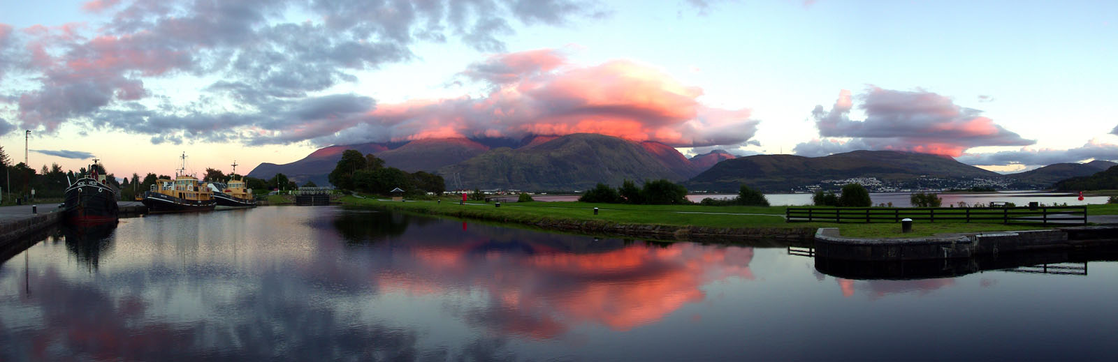 CALCANAL004 : The Caledonian Canal at Corpach